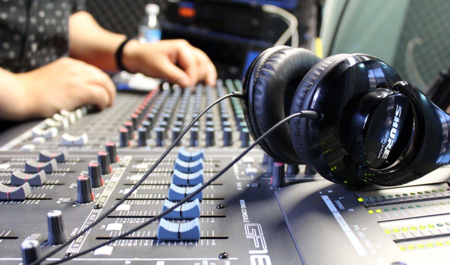 Cada  De Mayo Los Operadores De Radio Celebran Su Dia En Homenaje Al Creador Del Codigo Morse Uno De Los Objetivos De La Fecha Es Visibilizar Y
